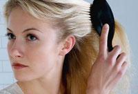 Однако очень часто стресс возникает из-за потери волос, поэтому порой довольно сложно установить, что первично -
